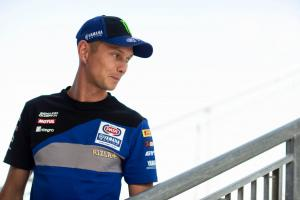 van der Mark undergoes surgery, return date uncertain