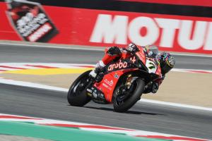 Davies edges Rea to top FP2