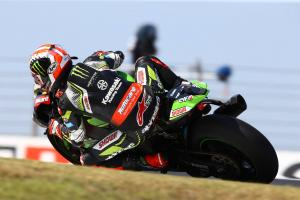 Rea untouchable as Bautista recovers from first-corner clash