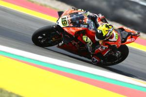 Bautista and Rea trade fastest lap times to storm clear