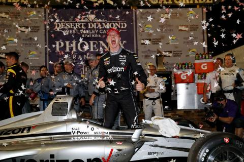 Newgarden charges to late Phoenix IndyCar win