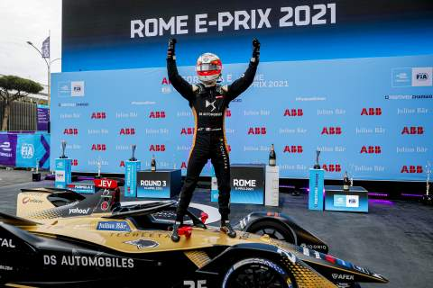 Vergne wins chaotic opening Formula E race at Rome E-Prix
