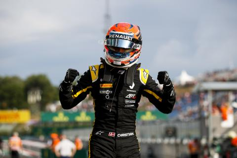 Lundgaard goes lights-to-flag in Hungary for maiden F3 win