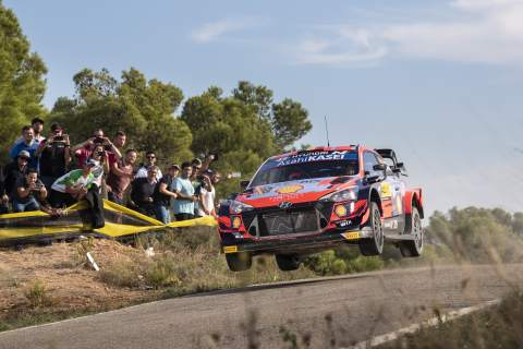 Neuville is Rally Spain leader by less than a second