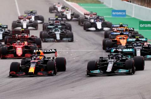 """Hamilton """"made sure"""" to give Verstappen space into Turn 1 in F1 Spanish GP"""