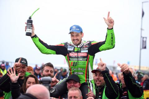 Bournemouth Kawasaki gives fond send-off to Hillier