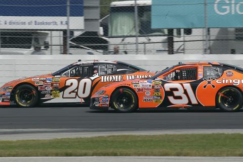Tony Stewart and Robby Gordon in action at the New Hampshire International Speedway