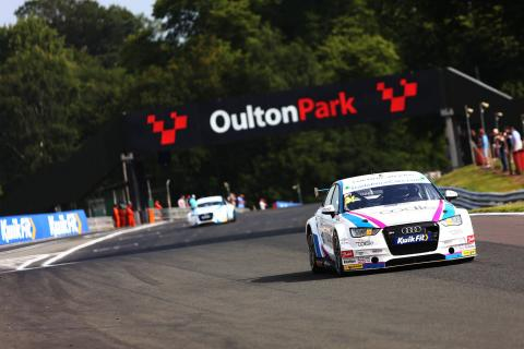 Hill takes maiden win in dramatic final race after Neal clash