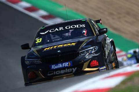 Morgan clinches first BTCC win in BMW machinery at Brands