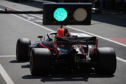 Ricciardo: Red Bull pace deficit to Mercedes hurts