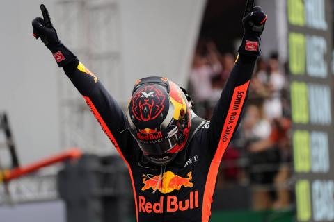 Verstappen takes dominant Mexico win as Hamilton clinches title
