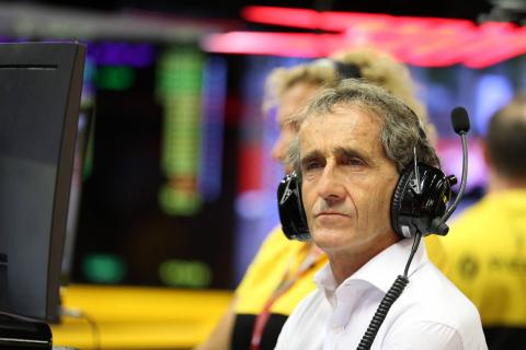 Prost: Renault targeting performance over results in 2018