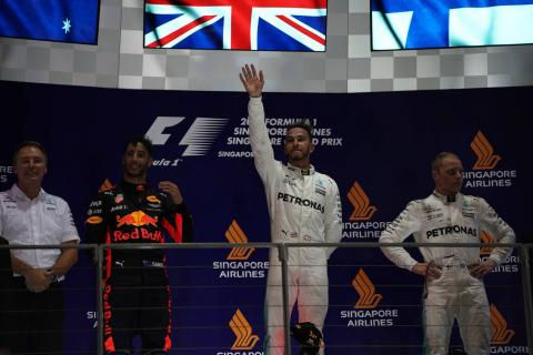 Video: Singapore GP – Circuit of Champions