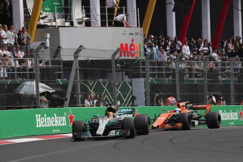 Alonso explains how Hamilton excels against other F1 champions