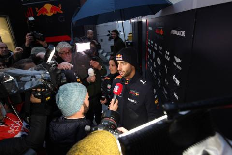 """Ricciardo: F1 races will make contract situation """"easier to handle"""""""