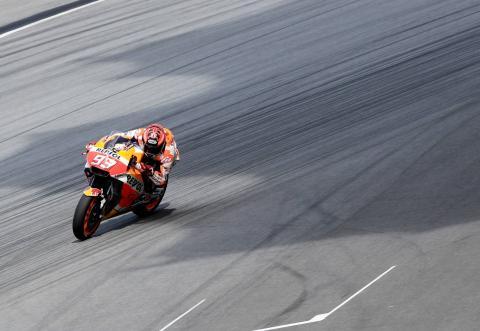 Marquez 'avoiding risk', balance 'really good'