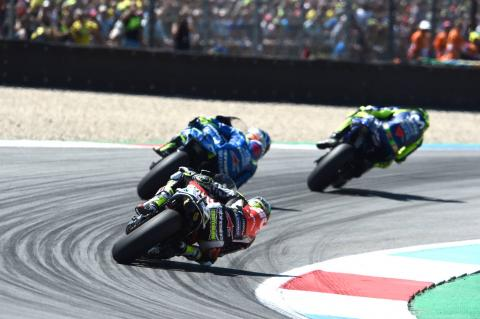 Crutchlow unable to pass, podium slips away