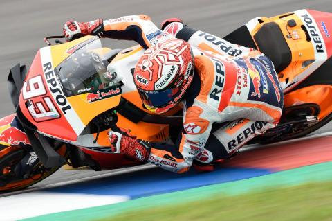 Marquez cruises to victory in Argentina, Rossi beats Dovi