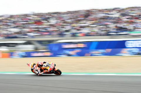 Marquez in control at Spanish MotoGP to regain points lead