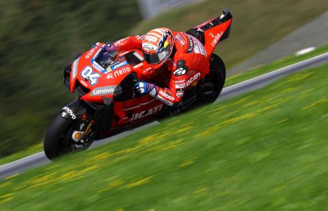 Dovizioso stuns Marquez to defend Ducati's Austrian MotoGP record