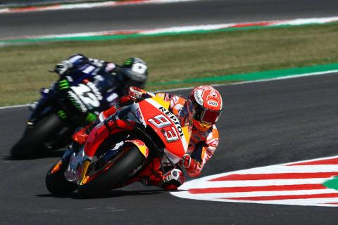Marquez in the middle of the Yamahas