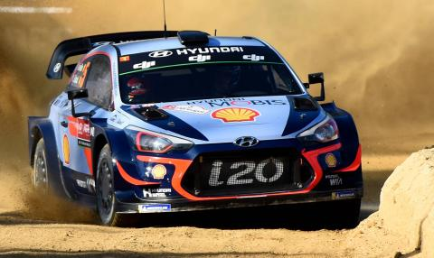 Neuville extends Portugal lead as Meeke crashes out