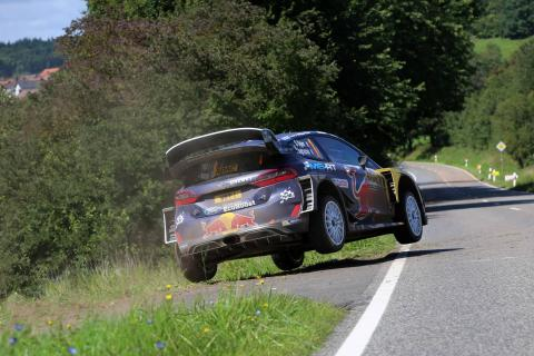 Ogier not taking WRC points lead for granted