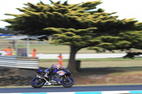 Mahias starts World Supersport title defence with victory
