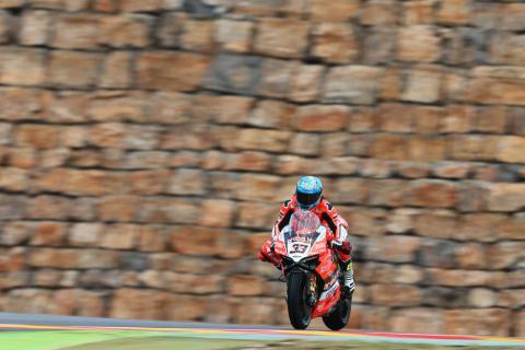 Melandri leads Ducati charge against Rea at Aragon