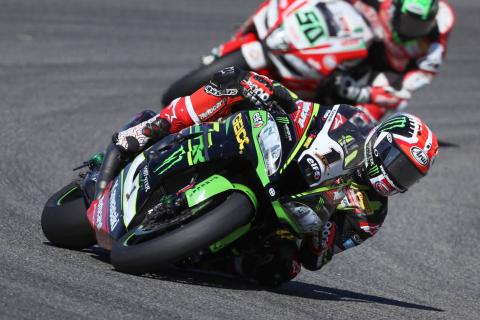 Rea eases to lights-to-flag victory in Misano opener