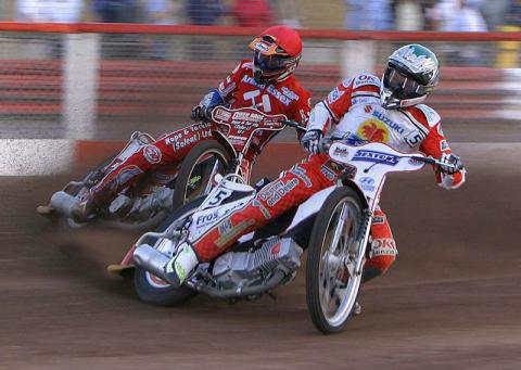 Bulldogs defeated by fast starting Swindon