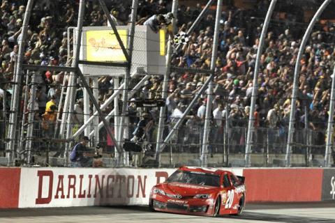 2013 Darlington NASCAR: Kenseth back on a winning streak