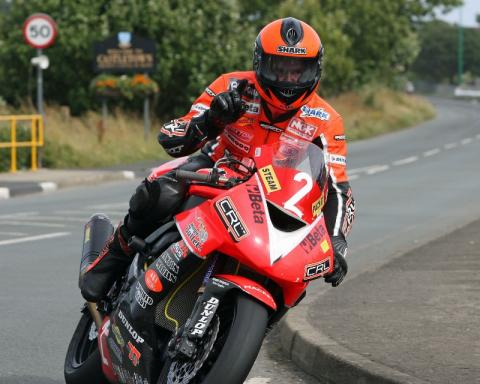 Farquhar secures dramatic championship win