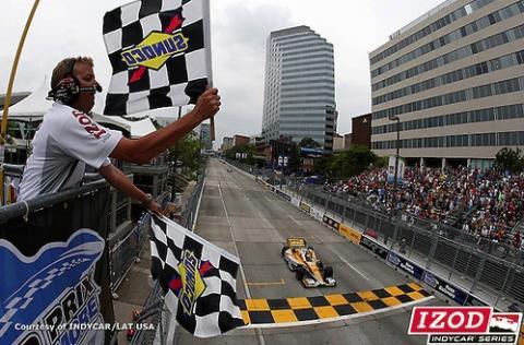 Hunter-Reay victory sets up season finale