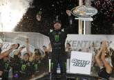 Kurt Busch victorious over brother Kyle in overtime finish at Kentucky
