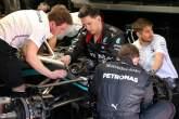 Bagaimana Mercedes menoleh dengan roda kemudi DAS