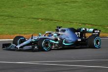 Mercedes fokus pada performa ban belakang dengan desain W10