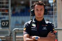 """Albon's Silverstone F1 test was pre-planned, not solely for """"re-enactment"""""""