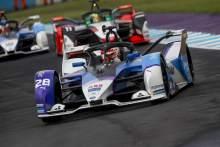 Günther overtakes Cassidy & Vergne to win Formula E New York City E-Prix