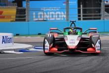 Di Grassi holds off Mortara to win first Berlin E-Prix
