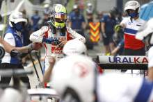 Memeriksa Mobil Rival, Mick Schumacher Tidak Terinspirasi Vettel
