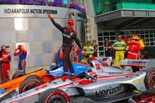 Power mengambil kemenangan IndyCar ke-200 Penske di Indianapolis GP