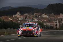 Neuville survives starter motor scare to triumph on Rally Spain