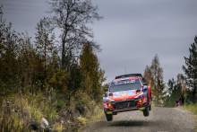 Katsuta spin hands Tanak early lead at Rally Finland
