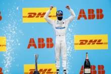 De Vries claims Valencia Formula E victory in bizarre circumstances