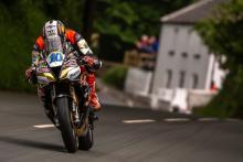 Hickman beats Harrison for maiden Supersport Isle of Man TT win