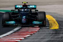 Mercedes F1 pair encouraged by performance in hotter temperatures