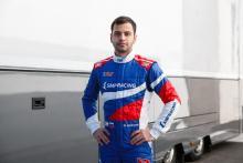 Isaakyan ditunjuk sebagai pengganti Correa yang cedera di tim Sauber F2