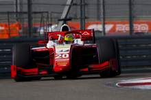 Mick Schumacher mengalahkan Yuki Tsunoda di pembuka Sochi F2