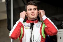 Patricio O'Ward bertahan di urutan kedelapan dalam balapan debut untuk Carlin Racing